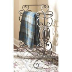 MidwestSCROLLWORK QUILT RACK. IRON.ND CE MEDALLION BOTTOM SHELFKDANTIQUE BROWN IRON